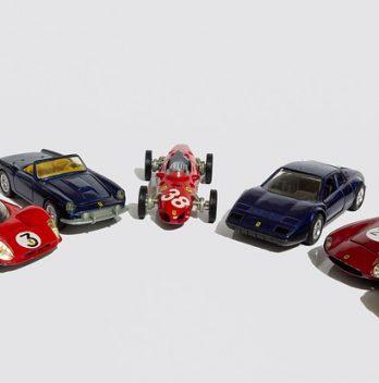 voiture de sport miniature